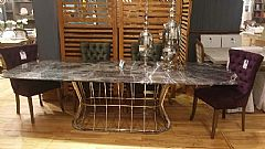 Venus Ovale Dining Table